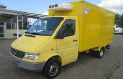 Mercedes-Benz-Sprinter-412